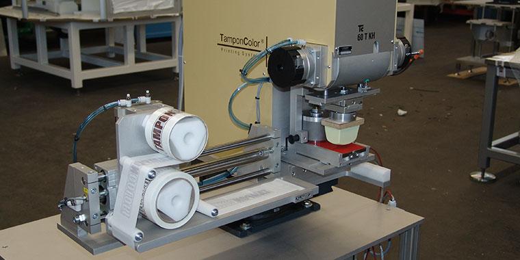 TC 60 T KH – pneumatisch angetriebene Tampondruckmaschine mit Kippkopf
