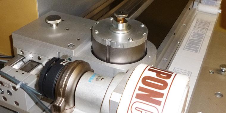 Pneumatische Tampondruckmaschine mit Querrakelfunktion